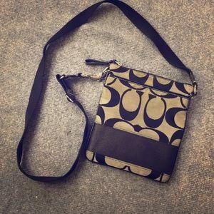 🌺Sm BL Coach Signature Fabric Crossbody Bag!🌺 NB